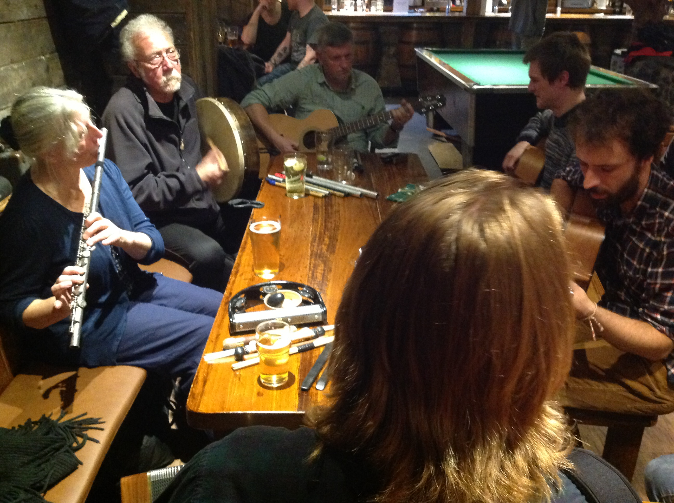 folk music craic at the Clachaig Inn